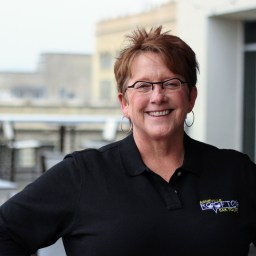 041 – Kaye Bentley of Asheville Rooftop Bar Tours on Career Change, Following Through, and Asheville History