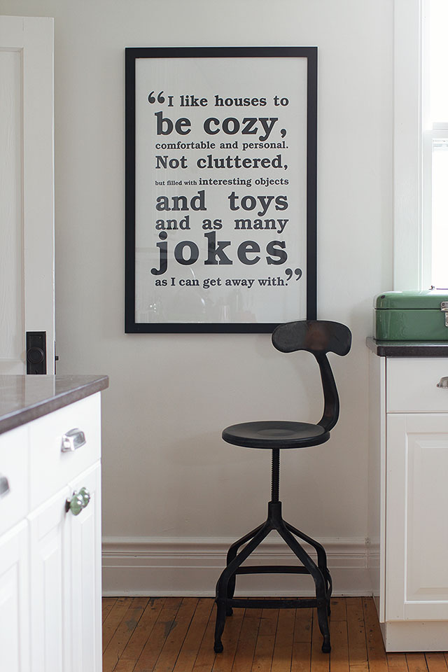 black and white wall art for the kitchen making it lovely