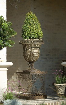French-inspired Outdoor Wire Planters - Making Lovely