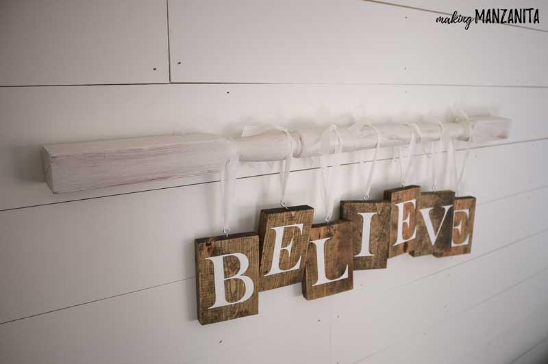 DIY Christmas Sign With Farmhouse Style