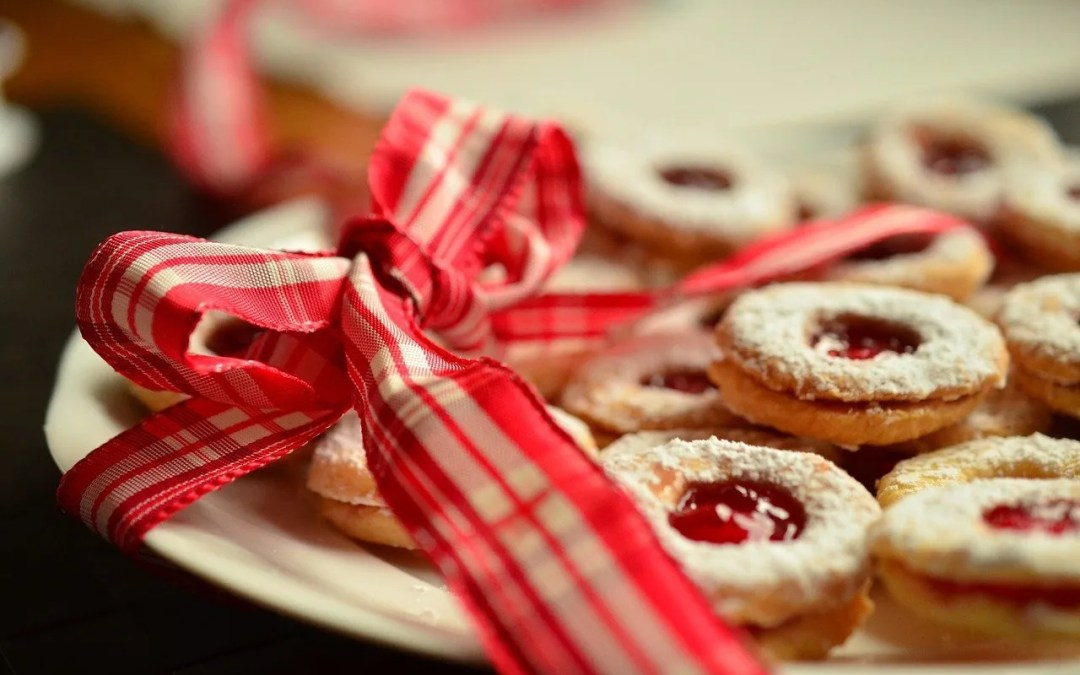 10 Ridiculously Easy Christmas Cookie Recipes
