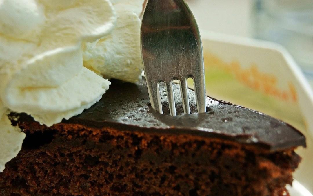 Caramel Drip Blondie Cream Cake
