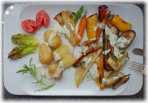 Ofengemüse mit Kräuter-Frühlingszwiebel-Knobi-Dressing