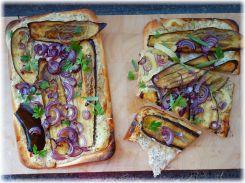 Flammkuchen mit Aubergine und Spitzpaprika