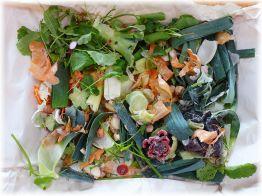 Gemüsebrühe selbstgemacht aus Gemüseabschnitten