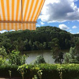 Mein Ferienhäuschen für die letzte Woche in Güntersberge. Traumhaft schön gelegen mit Blick auf den Bergsee!