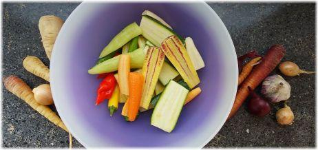 Gemüse putzen, schälen & schneiden