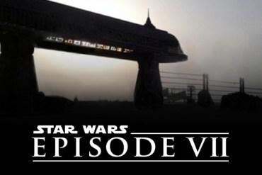dMlrq02 - Kiran Shah and Simon Pegg at Star Wars: Episode VII Wrap Party