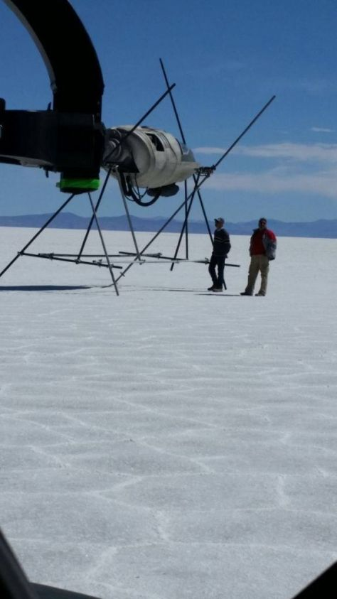 Star Wars: Episode VIII cockpit photo from the salt flats in Bolivia?