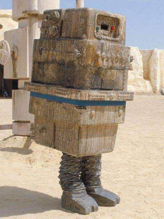 Power Droid - A rumor regarding what Warwick Davis is playing in the untitled Han Solo Star Wars story!