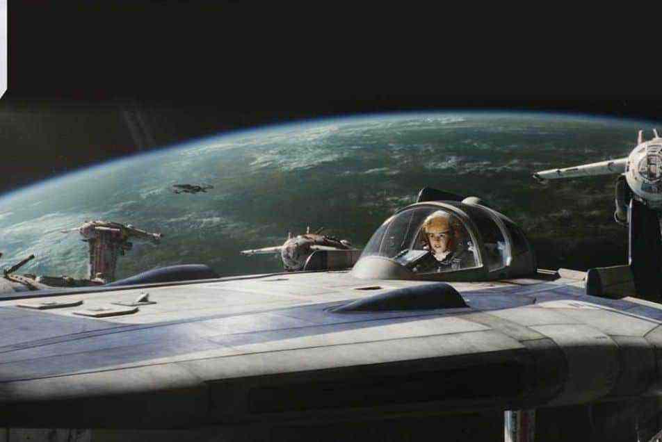 Fun details on the evacuation of D'Qar from Star Wars: The Last Jedi