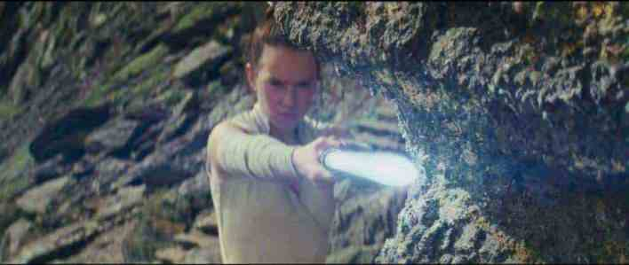 Screen Shot 2017 10 09 at 7.12.21 PM - New dialogue from Snoke, Rey, Luke and more in Star Wars: The Last Jedi