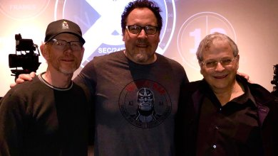 Photo of Jon Favreau to write and executive produce live-action Star Wars Series!