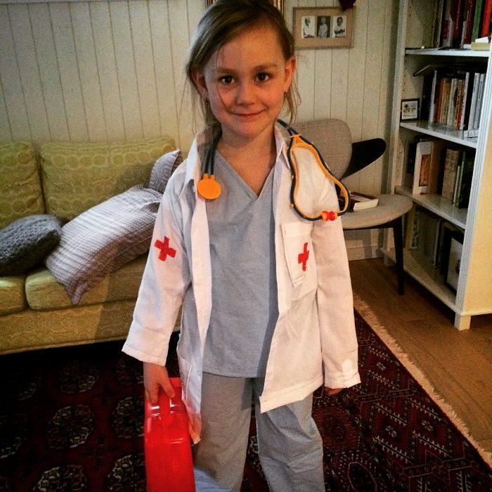 DIY Childrens Doctor Costume