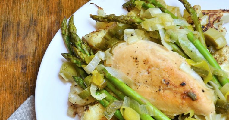 Easy Weight Loss Recipes! – Chicken, Leek, and Asparagus on Roasted Cauliflower