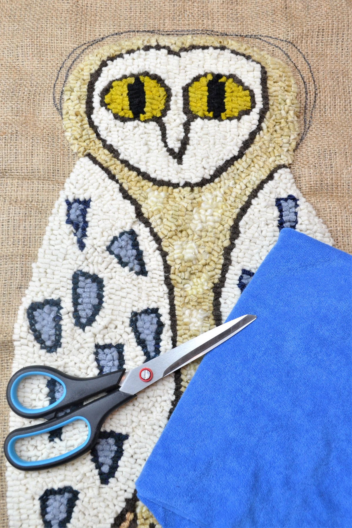 Rug Hooking: How to Make Your Rug Hooking Patterns into a Pillow! - supplies