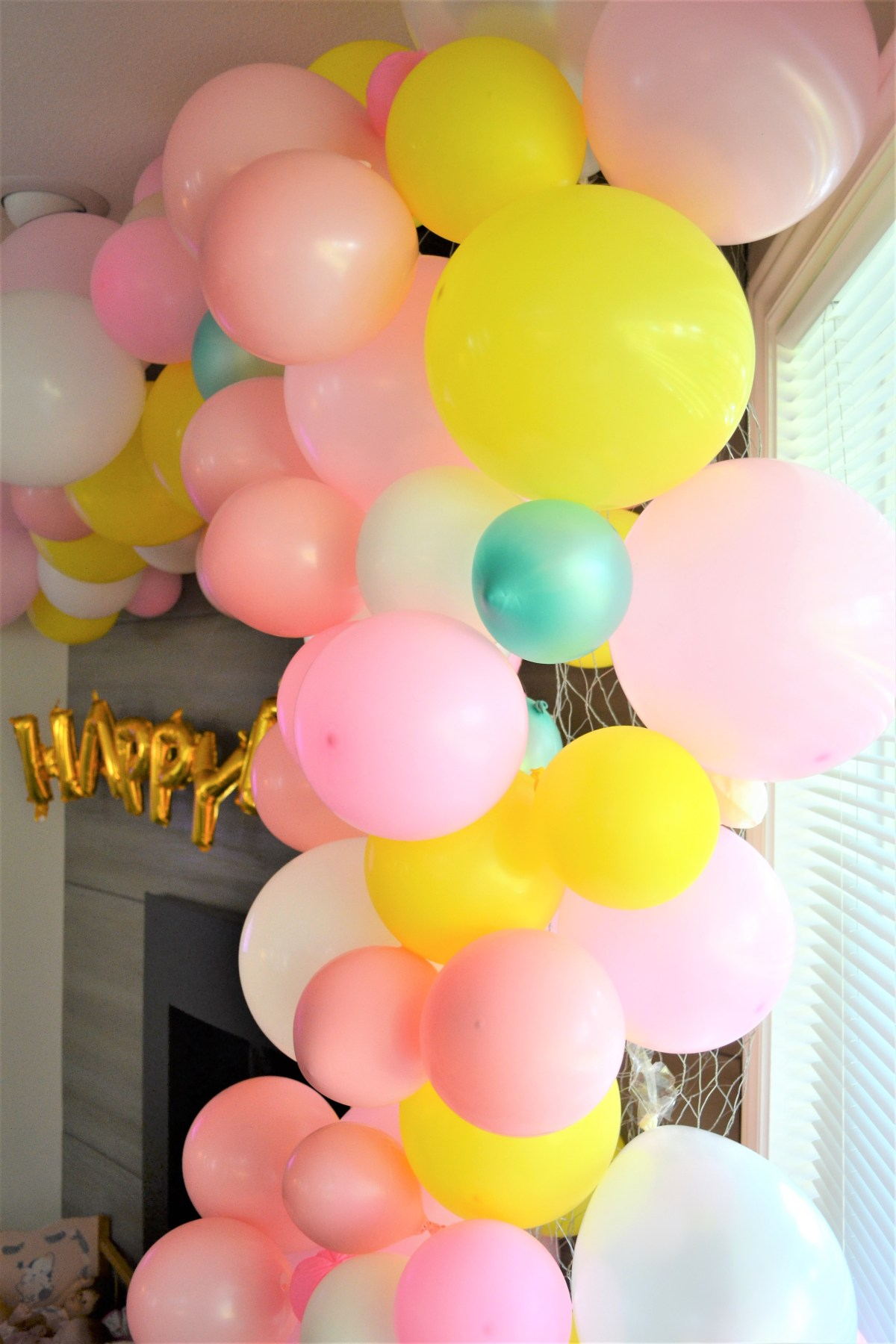 Balloon Arch Tutorial! - find all the holes