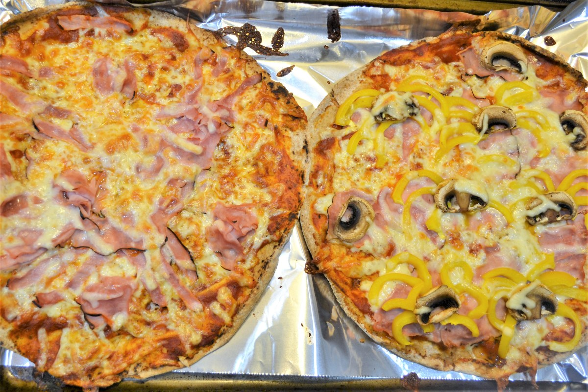 Spider Pita Pizzas! - cooked
