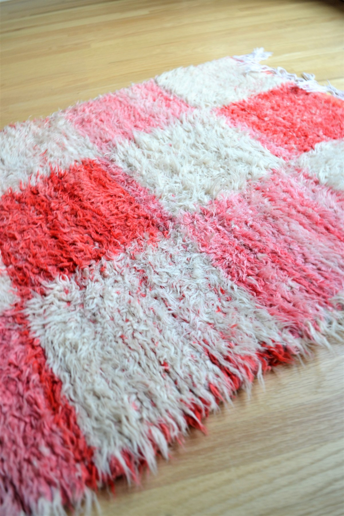 Floor Loom Rug Weaving Inspiration! - red and white
