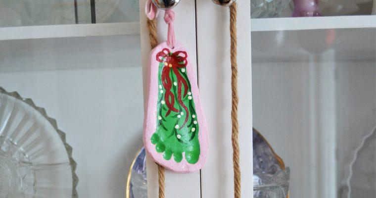 Salt Dough Recipe – Kids Christmas Handprint Ornaments!