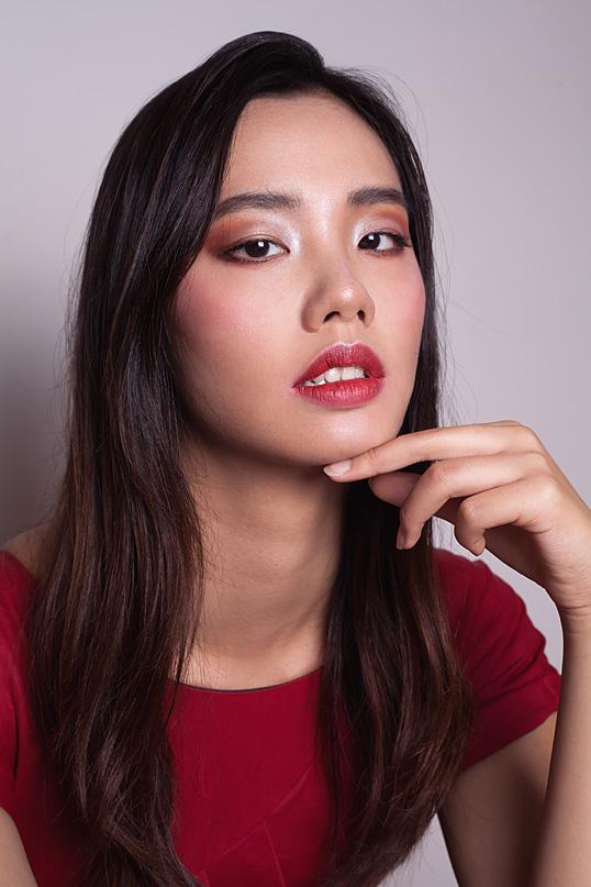 making-up-the-magic-Yilin-Asian-Smoky