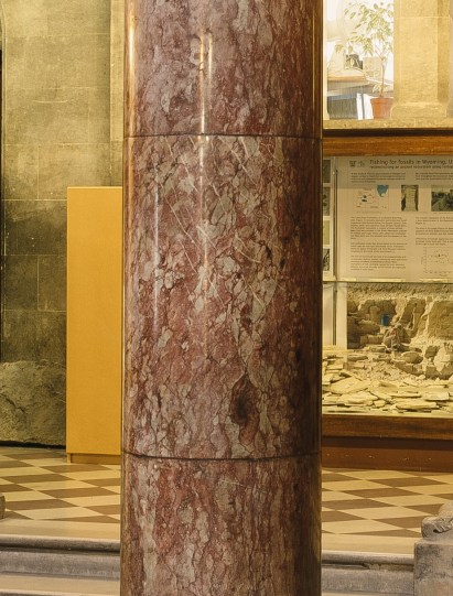 Multi-drum column of Cork Red marble