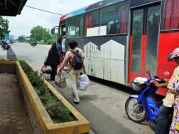 コタバル行のバス