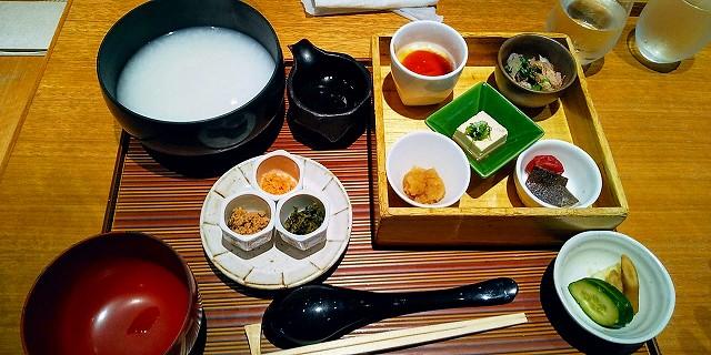 羽田空港国内線 Hitoshinaya 白粥