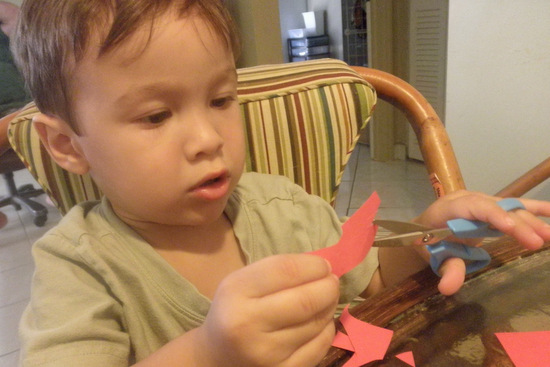 Cutting Strips of Paper for easy preschool craft