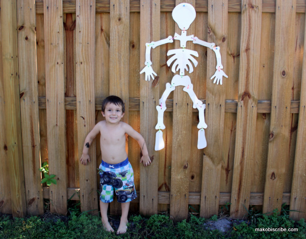 Halloween Skeleton Paper Plate Craft