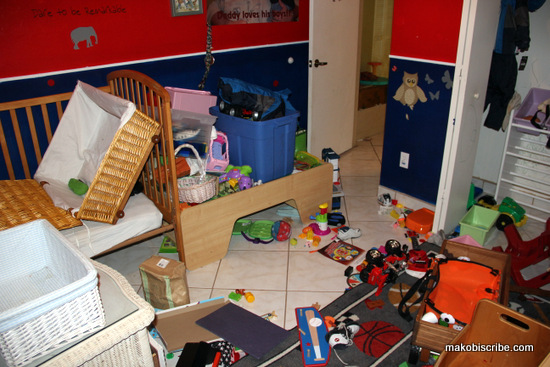 how to organize a toddlers room