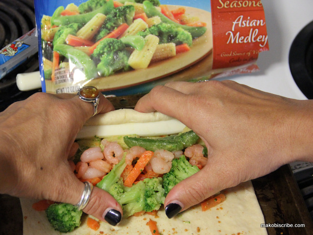 How to roll a shrimp roll