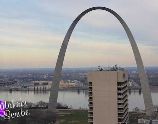 360 Bar View of the Arch
