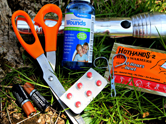 Ten Things To Have In Your Outdoor Emergency Kit
