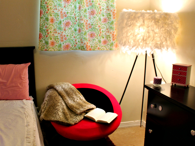 Tips To Create A Reading Nook In Your Bedroom