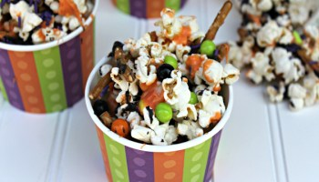 Halloween Popcorn Mix