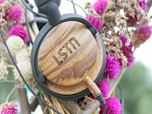 Five Awesome Gifts For The Music Enthusiast On Your List