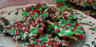 M&M'S Christmas Bark Recipe