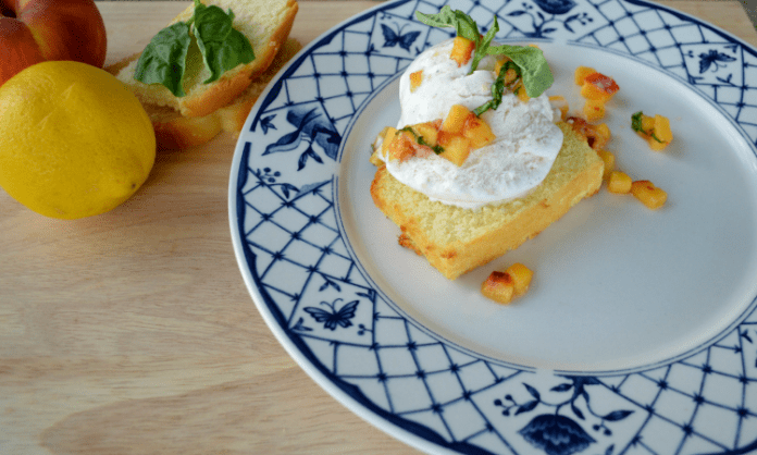 Pound Cake and Peaches Sundae Recipe