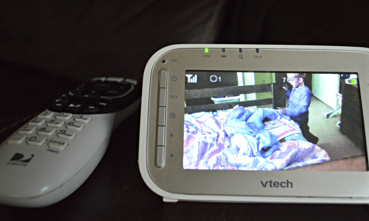 Top 5 Benefits of a Video Baby Monitor