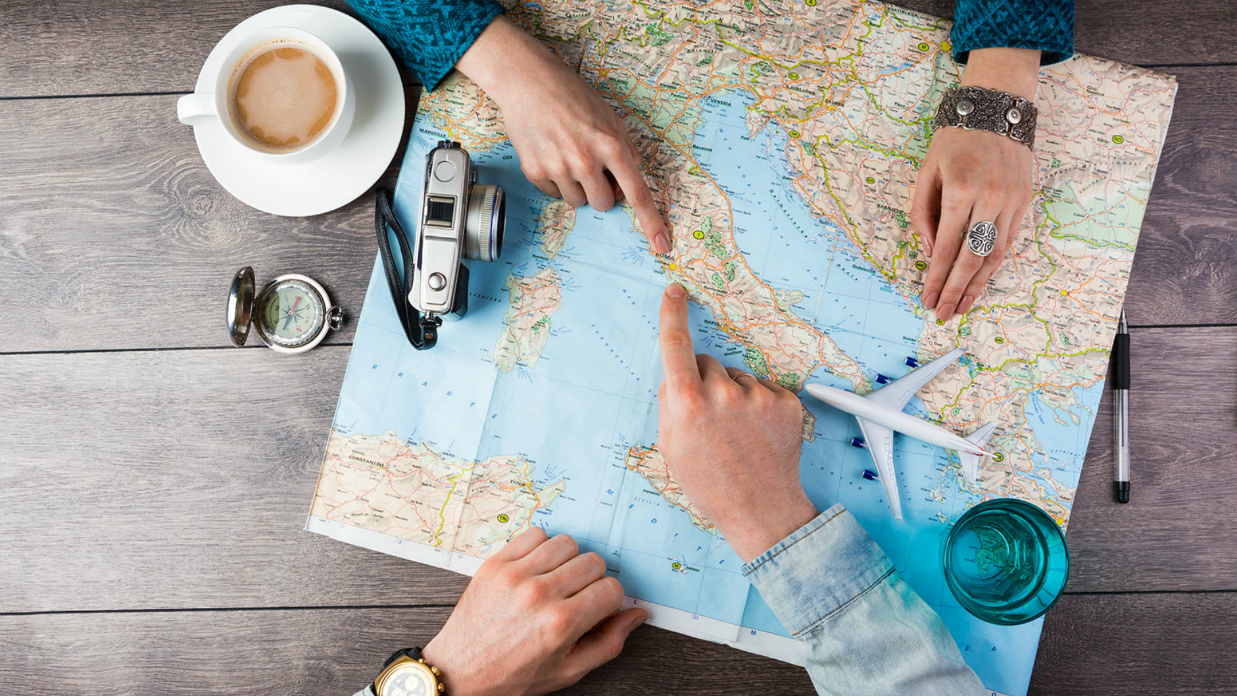 5 Easy Money Saving Tips When Traveling