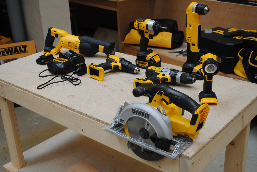 7 Basic Power Tools For DIY Projects