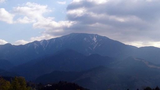 馬籠宿からの恵那山01