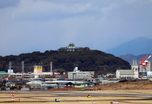 名古屋飛行場からの小牧城を望遠撮影