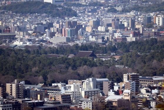 将軍塚の青龍殿から見える京都御所