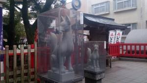 千代保のキツネの像02