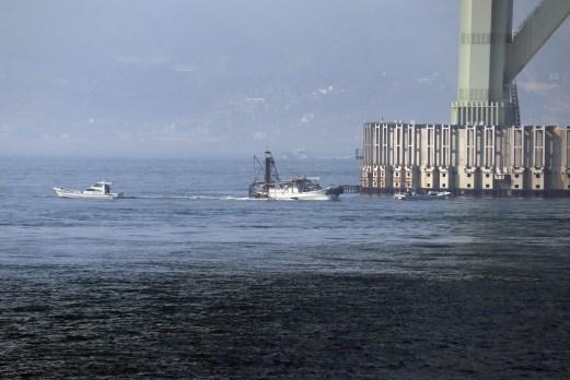 9明石海峡の船2