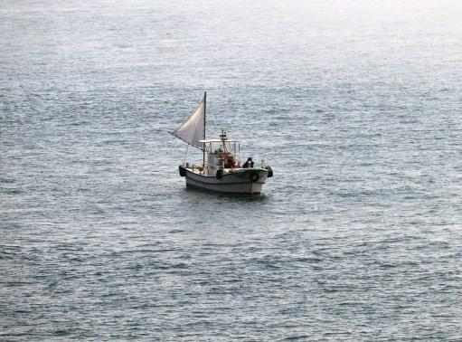 道の駅うずしお36の鳴門海峡の小型船