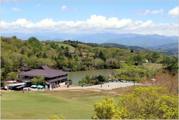 茶臼山5の16高原のリゾート
