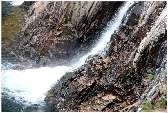 つたのふち9-14滝の下部アップシャッター速